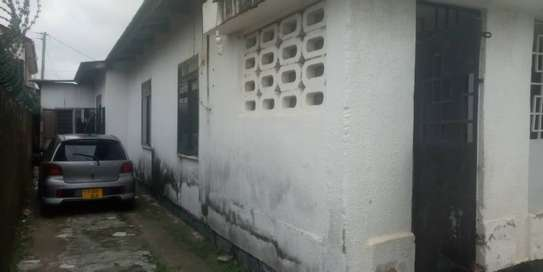 3 bed room house in the compound for rent at mikocheni kwa warioba image 4