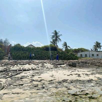 PLOT BEACH FOR SALE BAHARI BEACH image 8