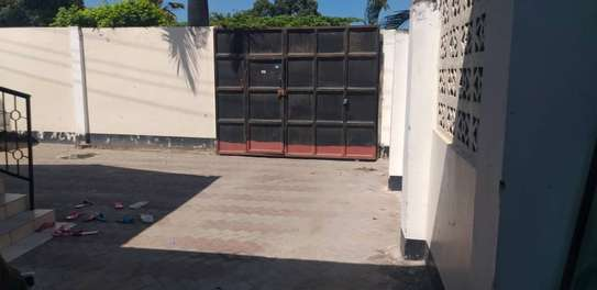 3 bed room stand alone house  with boy quater  for sale  at kinondoni studio image 4