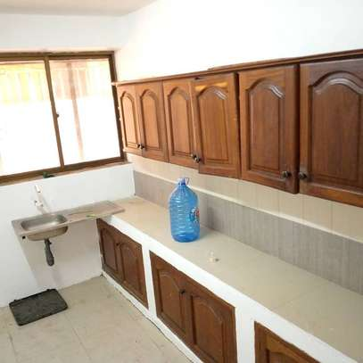 Three bedrooms apartment for rent image 5