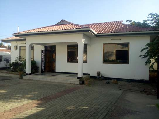 2bedroom compound house in Mikocheni B' image 8