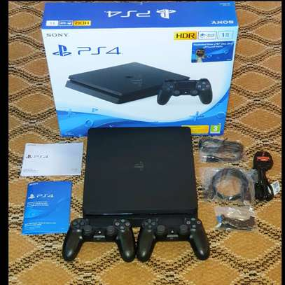 PLAYSTATION4 1TB + 15 GAMES & 2 CONTROLLERS