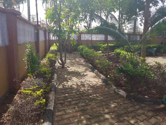 5 Bed Room Bungalow for rent in Dodoma town- Multipurpose. image 7