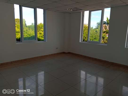 Office building to let in oyster bay sq meter 1200 image 5