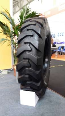 Grader Tyres, Mobile Excavator and Wheel loader tyres