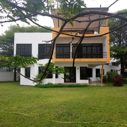 Exclusive Family Compound House 4 Bedroom For Rent In Kawe Beach image 1