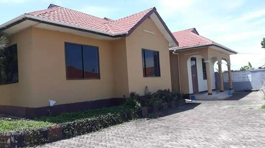 House for sale Salasala IPTL-with clean title deed image 1