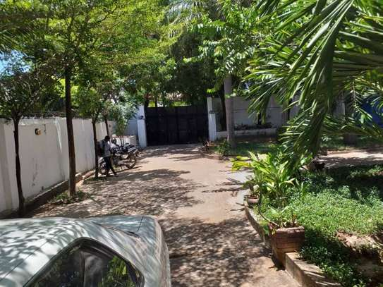 4bed house at mikocheni $1500pm image 5