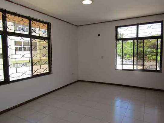 5 Bedrooms Bungalow House for Office / Commercial / Residential Uses in Masaki image 6