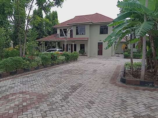 4bed stand alone house at bunju with good garden in big compound image 2