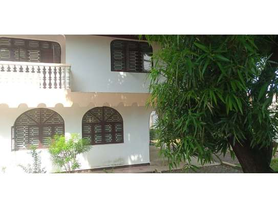 4bed house at mbezi beach tsh 1,000,000 image 11