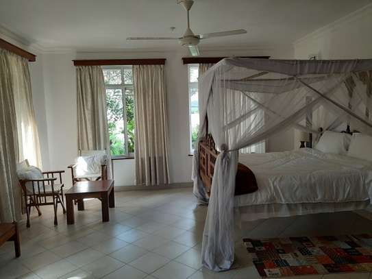 2 Bedrooms Home In Oysterbay For Rent image 8