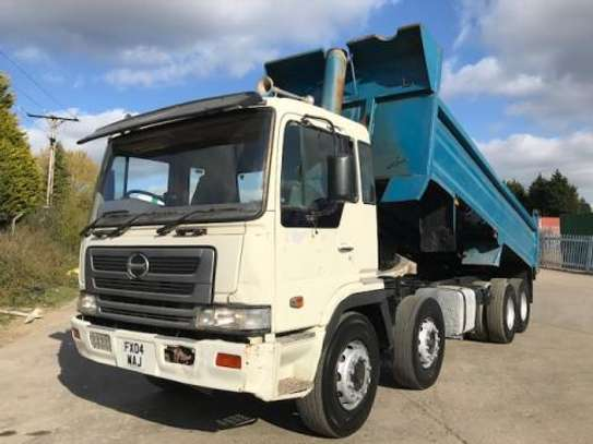 2004 Hino FY 360 8X4 TIPPER