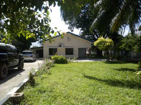 3bed house at regent estate $3000pm