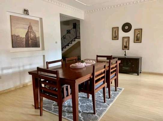 AVAILABLE FOR RENT  A 5 BEDROOM VILLA  IN ARUSHA image 8