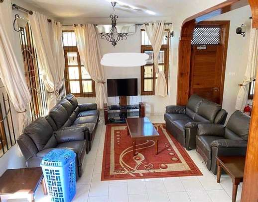 3BEDROOMS FULL FURNISHED FOR RENT image 4