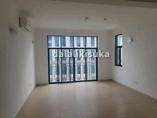 3 bedrm Apartment at VICTORIA For rent image 2