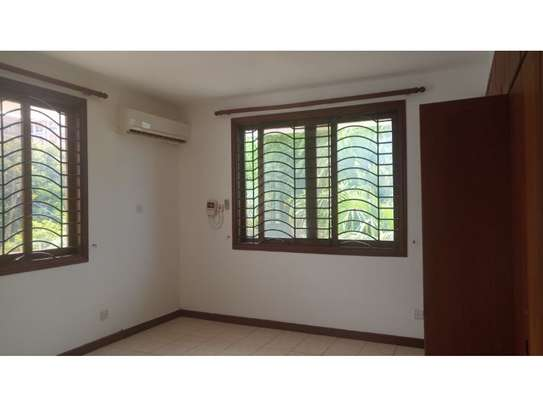 4 big house oom for rent at masaki image 6