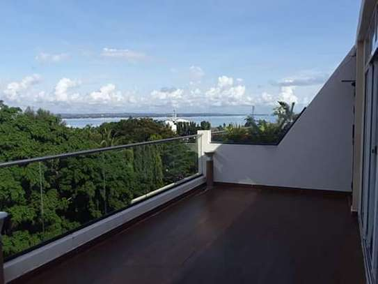 1 & 2 Bedroom Modern & Luxury Penthouse Apartments with Ocean View in Masaki