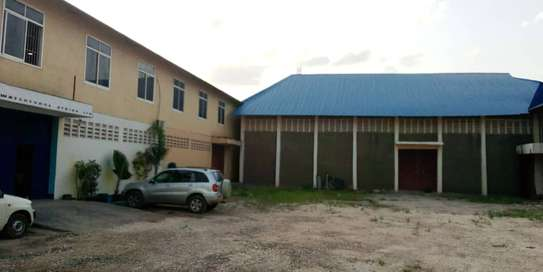 godown  available for rent at changombe industrial area  in differences sizes close to port of dar image 2