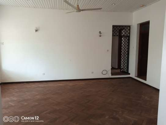 5bdrm stand alone house to let in masaki image 7