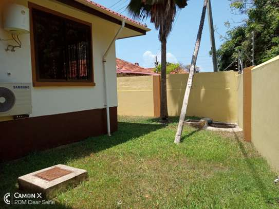3 bed room villa house for rent at oyster bay image 9