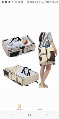 2 in 1 Baby kingdom bed and bag.