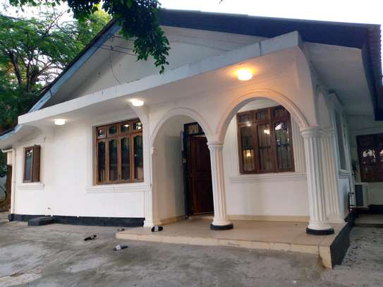 4 BEDROOMS HOUSE FOR RENT image 1