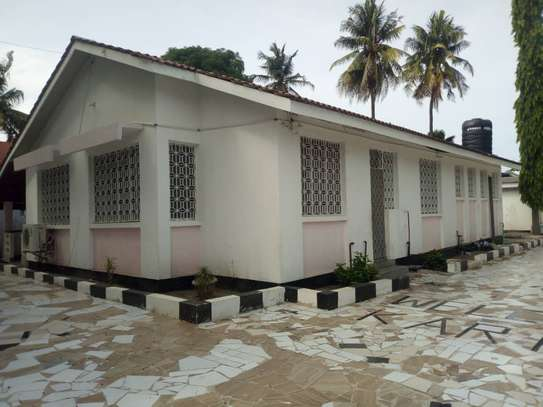 4 bed room house for rent with servant quorter at mikocheni warioba image 1