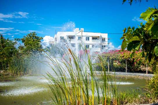 A 3 Bedroom Penthouse with access to a communal pool image 5