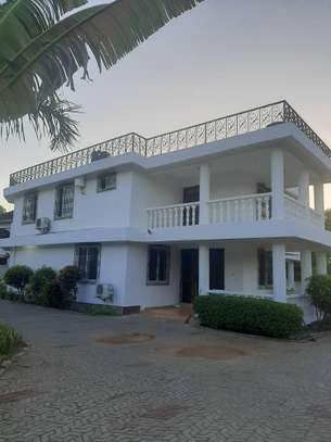 4 bed room house all master for rent at masaki image 1
