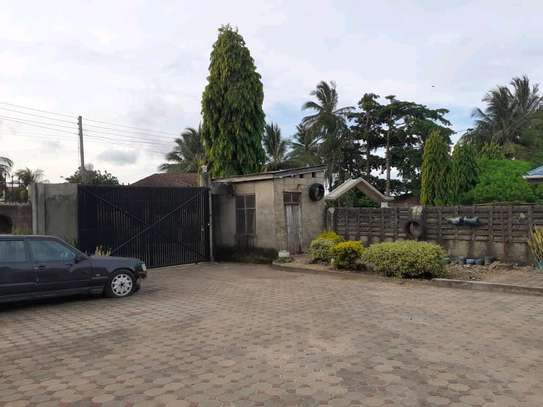 HOUSE FOR IMMEDIATE SALE image 3