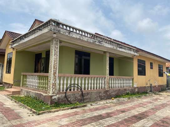 HOUSE FOR SALE AT UNUNIO image 2