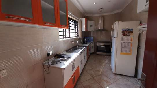 2 Bedrooms Furnished Bungalow For Rent in Oysterbay image 5
