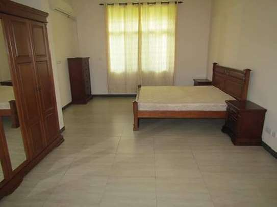 4 Bedrooms Executive and Beautiful Villa House for Rent off Oysterbay Ada Estate image 9