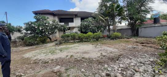 4/5 Bedrooms Large House For Sale in Masaki in the Peninsula image 13