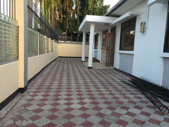 stand alone house for rent at mikochen image 3