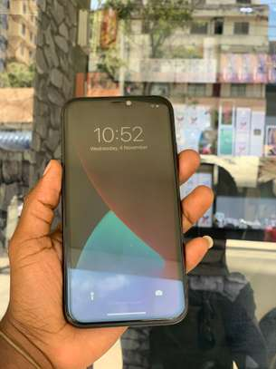 iPhone 11 64GB Duos Black for sale image 2
