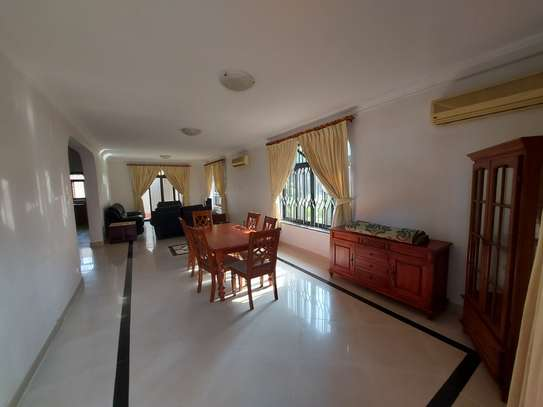 4BEDROOMS LUXUARY VILLAH FOR RENT image 11