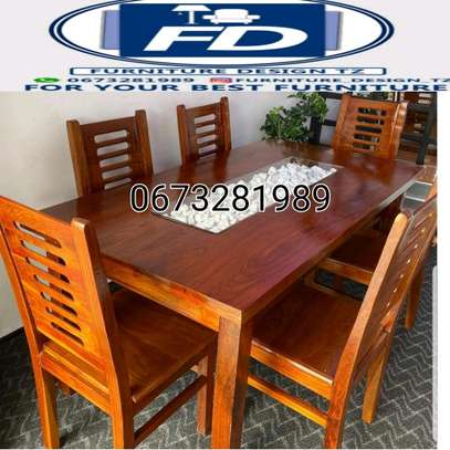 Dining table y chairs mninga image 1