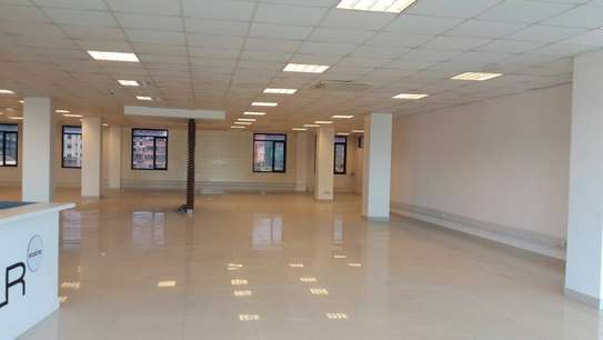 Offices from 30 sqm on a 5 story high tech building image 5