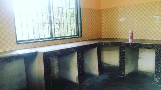 RENT KIGAMBONI 3 BEDROOMS STANDALONE HOUSE AT ONLY TSH 250,000. PM image 4