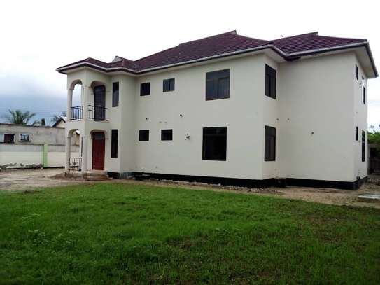5 bed room house for sale at boko image 9
