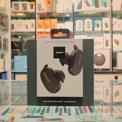 Bose QuietComfort Noise Cancelling Truly Wireless Earbuds image 1