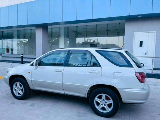 2000 Toyota Harrier image 7