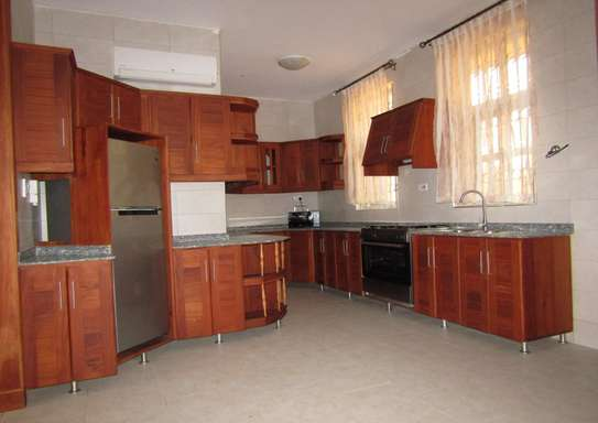 4 En Suite Full Furnished Bedroom Villa House in Mbezi Beach image 4