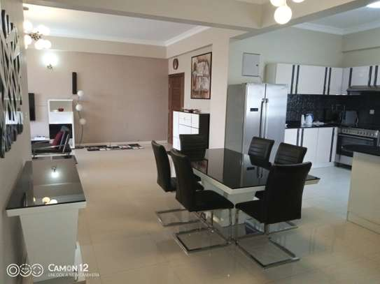 3bdrm Apartment to let in oyster bay image 5