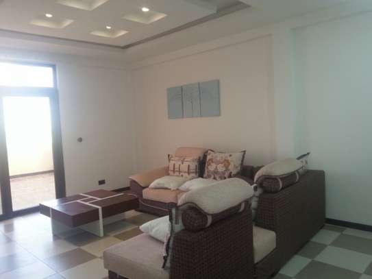 5 Bedrooms Villa For Rent In Oysterbay image 6