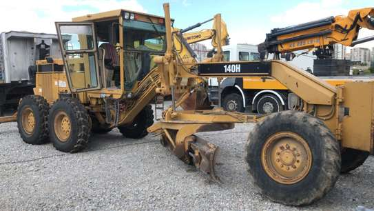 1998 Caterpillar 140H  USD 86,000/= FOB image 1