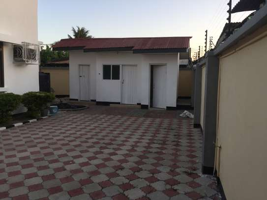stand alone house for rent at mikochen image 7